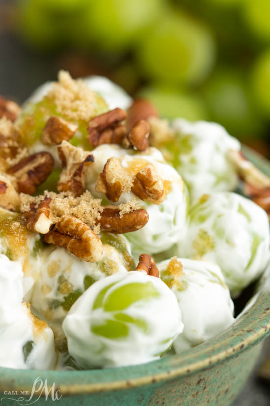 Refreshing Grape Salad, this an unbelievably easy and tasty recipe is light and refreshing. It's always a crowd-pleaser at barbecues and potlucks!