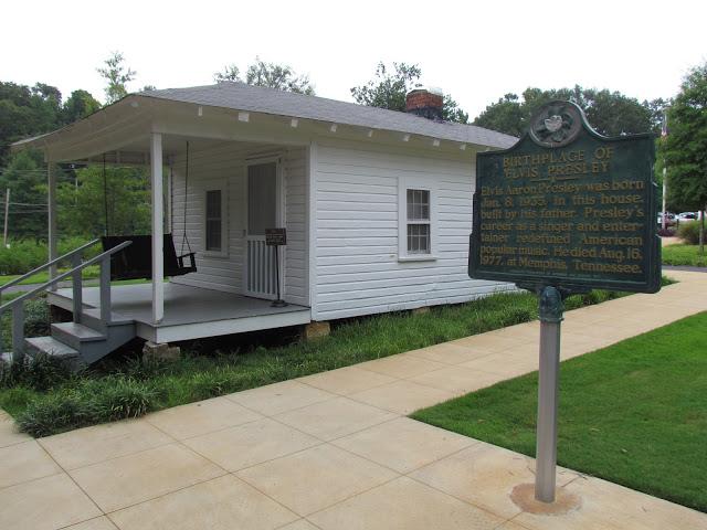 birthplace Elvis Presley sign