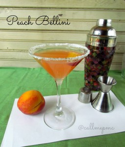 Peach Bellini Martini - taking the Bellini to new levels! You've got to try this one! #cocktails #callmepmc