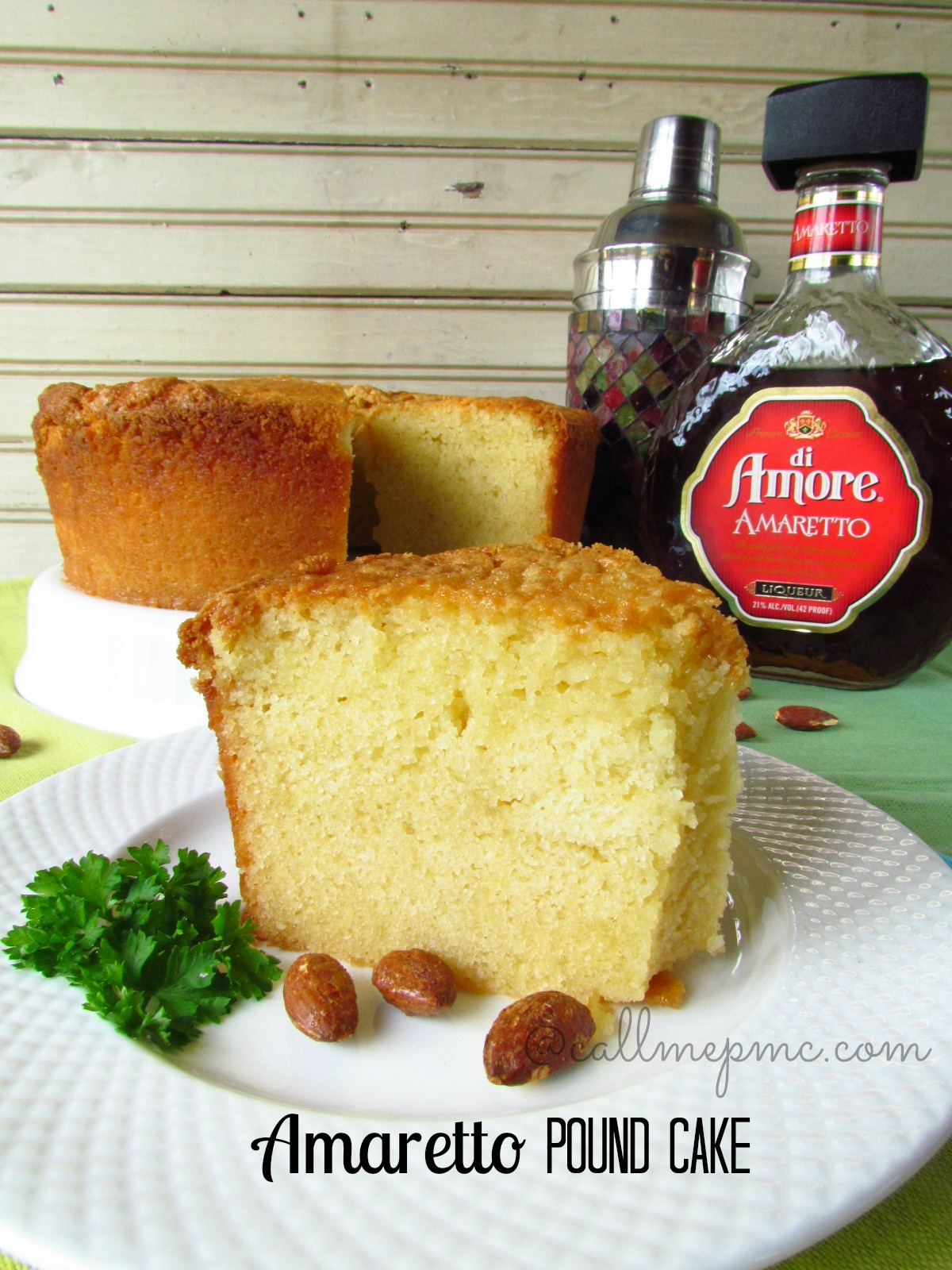 amaretto pound cake - Classic Pound take is kicked up with the addition of Amaretto. Great almond flavor! Doesn't taste like alcohol!