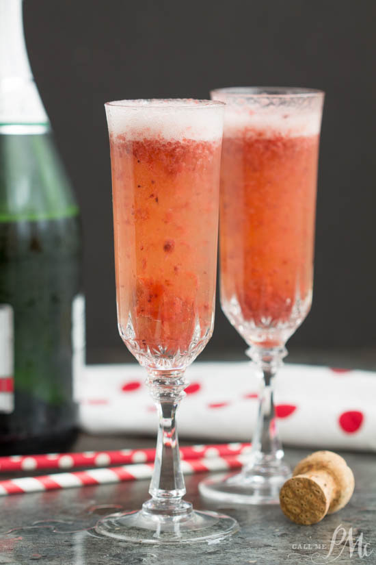 Refreshing Strawberry Fizz Cocktail contains the sweet and fruity tang of strawberry puree mixed with the sparkling wine. It's a winning mimosa recipe. These are a refreshing twist on the classic mimosa. Perfect for your next brunch. Glass of strawberry and sparkling wine.