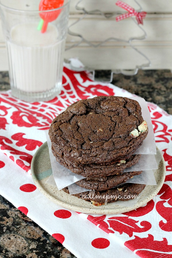 Mint Chocolate Chip Walnut Cookies