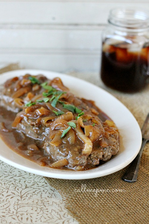 An all-time classic and easy-to-make this Hamburger Steak with Onions and Brown Gravy Recipe is sure to get rave reviews from your family. It cooks quickly for busy week night meals. #gravy #browngravy #steaks #hamburgers #hamburgersteak #onions #comfortfood