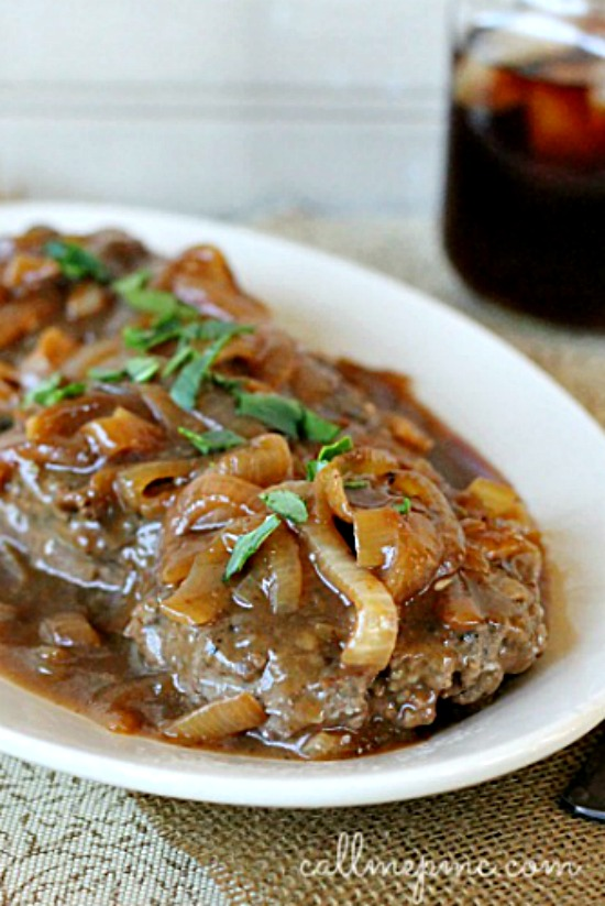 Hamburger Steak with Onions and Brown Gravy Recipe an easy recipe that's perfect for weeknight dinner. #gravy #browngravy #steaks #hamburgers #hamburgersteak #onions #comfortfood