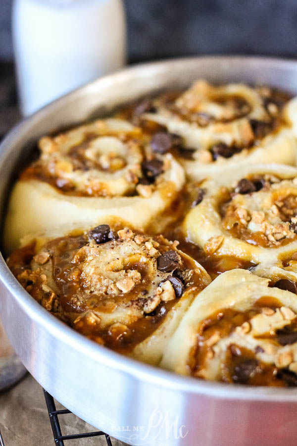 Sweet rolls with Snickers Bars ingredients caramel, peanuts, chocolate