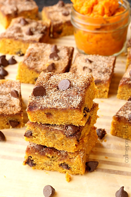 Chocolate Chip Pumpkin Snickerdoodle Blondies luscious and perfect with #chocolatechips. #brownies #pumpkin #pumpkindessert #dessert