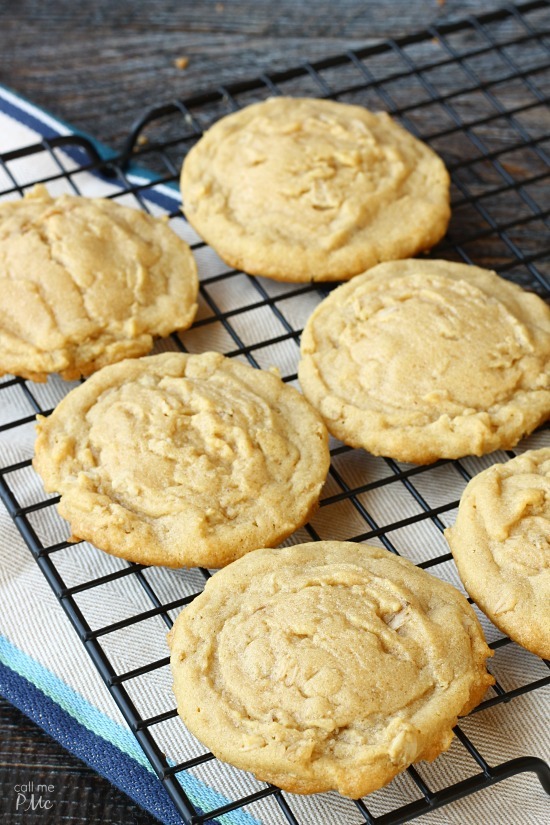 Peanut Butter Oatmeal Cookie Recipe, Easy Peanut Butter Oatmeal Cookie Recipe are perfectly soft and gooey in the center with crisp, chewy edges. A simple recipe that I love to bake and eat! It's sure to become your favorite too.