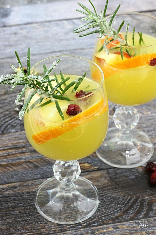 White Sangria Sparkler- Mirassou chardonnay kicks up this white wine sangria  content for 21+ #MirassouHoliday AD