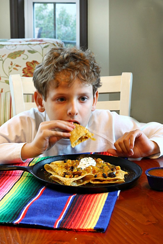 Jose Ole Mini Taco Nachos - easy entertaining food @JoseOleCentral #BigGameAppetites