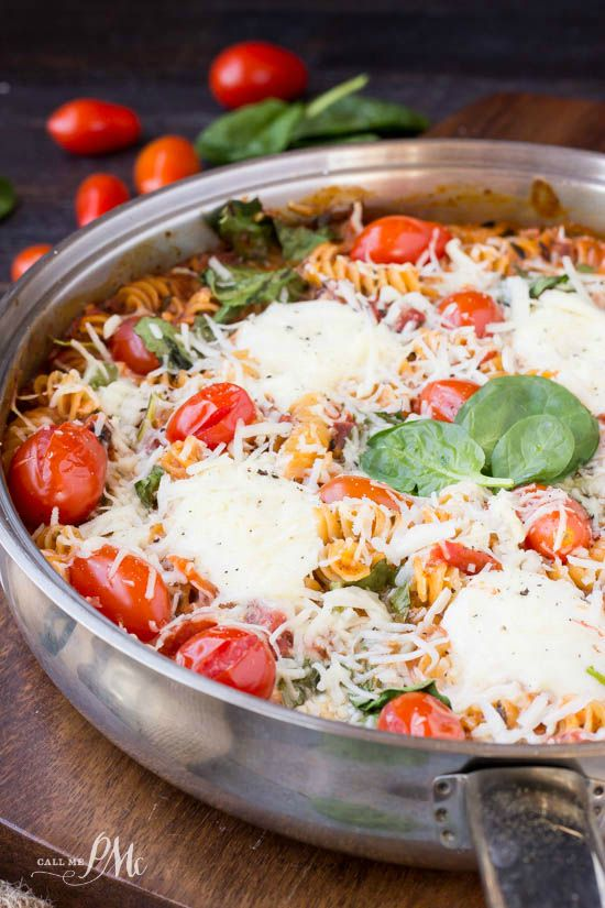One Pan Spinach Cheese and Fire Roasted Tomato Pasta recipe is comfort food that quick and easy too! #OnePanPronto #ad
