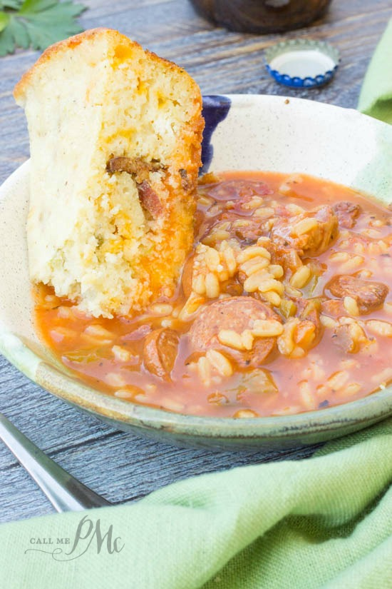 Green Chile Bacon Cornbread recipe- It's chock full of bacon, cheese, and green chiles giving it a blast of flavor! #ad