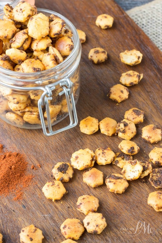 Spicy Taco Oyster Crackers recipe This snack recipe is so fast, easy, and satisfying. Every time I make them, people go nuts over them. They are particularly popular when watching footballs games and sipping on beer.