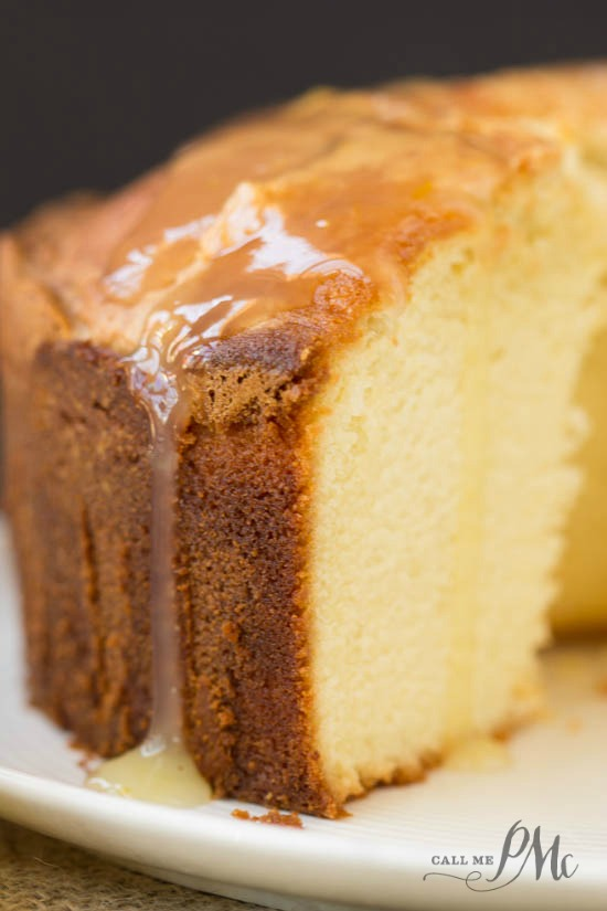 Easy Homemade Sour Cream Pound Cake Recipe