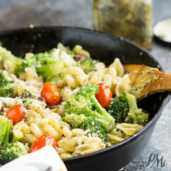 20 Minute Stovetop Sun Dried Tomato Broccoli Pesto Pasta ...