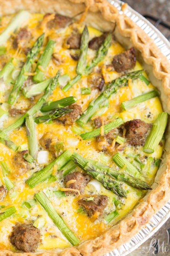 Turkey Sausage Asparagus Quiche is a simple and versatile recipe that's good for breakfast or dinner. #DINNER #brunch #breakfast #asparagus #sausage #eggs #turkey #baked #easy via @pmctunejones