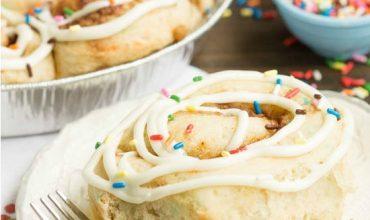 BIRTHDAY CAKE CINNAMON ROLLS