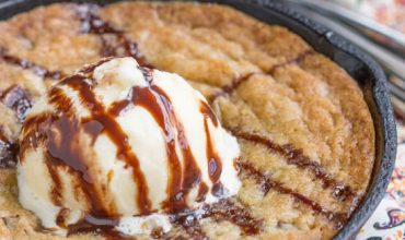 Crave Tupelo Deluxe Chocolate Chip Skillet Cookie
