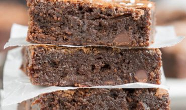 Best Chewy Fudgy Homemade Brownies Recipe
