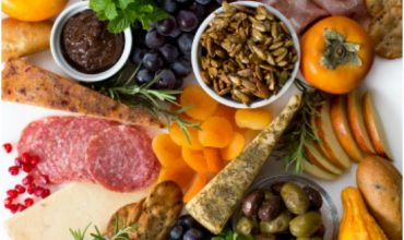 10+ Easy Entertaining Charcuterie Boards