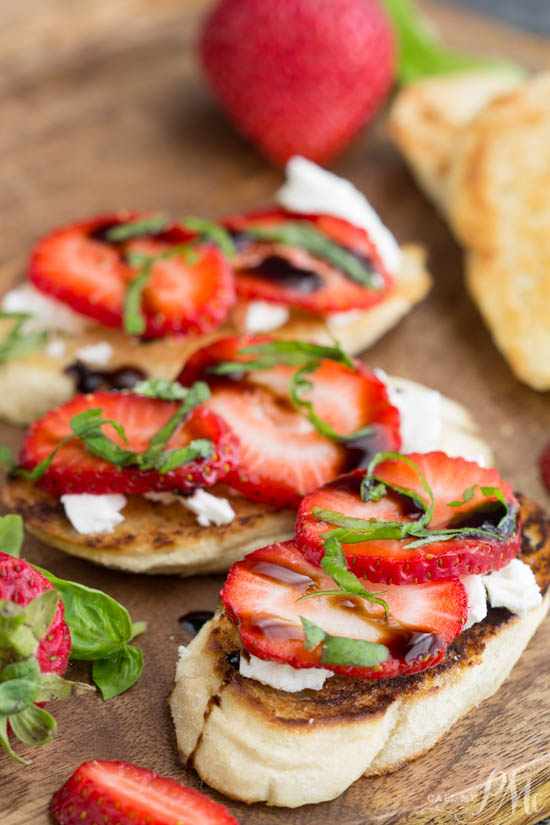 fruit recipe. A perfect dish for a quick and easy appetizer or snack, Strawberry Goat Cheese Bruschetta Recipe is fresh, fruity, light and healthy bruschetta with succulent strawberries and tangy goat cheese.