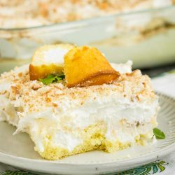 NO BAKE BANANA PUDDING TWINKIE CAKE