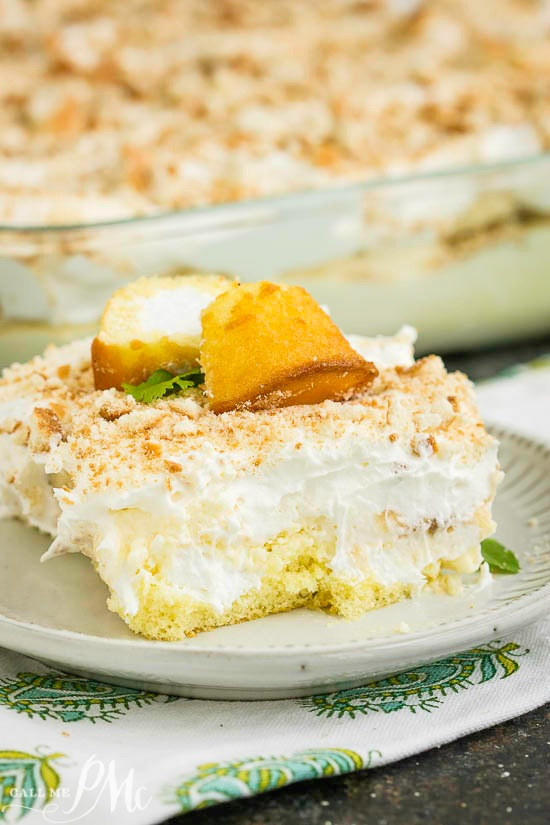 No Bake Banana Pudding Twinkie Cake has an incredible cream cheese pudding filling, lots of bananas, & is served over delicious Twinkie snack cakes!