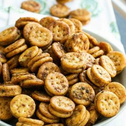 Crunchy, salty, perfectly seasoned, Baked Seasoned Ritz Bits so quick and easy to make. it'll become your new favorite snack!