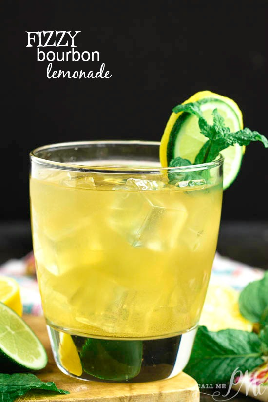 Fizzy Bourbon Lemonade Recipe, for bourbon lovers, this sip will keep you cool during the hot summer! #cocktail #recipe #bourbon