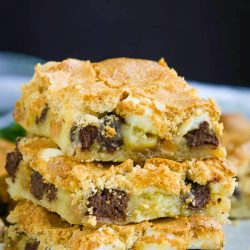 CARAMEL CHOCOLATE MUD HEN BARS