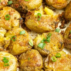 Best Crispy Roast Potatoes - crispy, creamy, buttery, caramelized potatoes are easy to make and incredibly delicious!