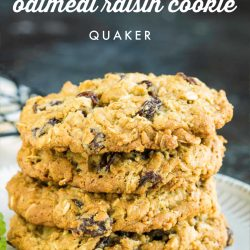 Original Quaker Oatmeal Raisin Cookie Recipe has crispy edges, chewy centers, and raisins studded throughout. These cookies will be the star at your next holiday cookie tray. #cookie #cookietray #Christmascookies #cookies #easy #fromscratch #oats #Quaker #raisin #oldfashioned