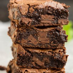 Best Chocolate Chunk Brownie Recipe, make these moist, fudgy brownies for a super indulgent treat! #chocolate #brownies #fudge #chocolatechips #fromscratch #fudgy #easy #dessert #recipe