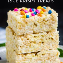 Ruffles Rice Krispie Treats, this salty and sweet dessert comes together in under 5 minutes for a great tasting no-bake snack! #snacks #cereal #recipe #dessert #ricekrispietreats