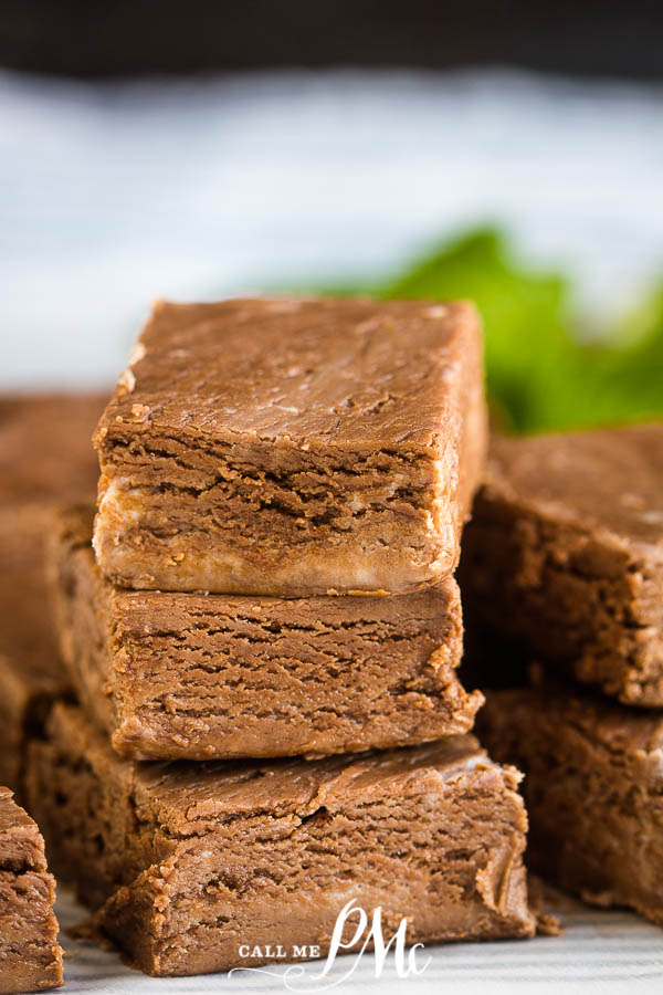 A perfect melty fudge, this 2 Ingredient Nutella Fudge is creamy, rich, and has just 2 ingredients. It takes less than 5 minutes to make! #fudge #recipe #dessert #chocolate #Nutella #2ingredient