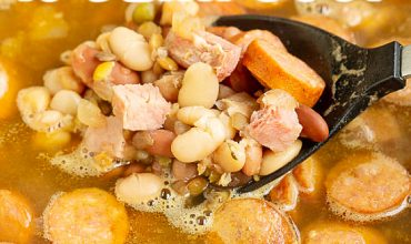 CREOLE 15 BEAN SOUP WITH SAUSAGE AND HAM